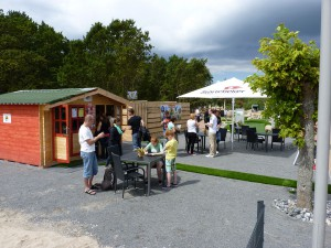 Imbiss der Outdoor-Minigolfanlage im Ostseebad Göhren auf der Insel Rügen - Freizeitspaß für die ganze Familie direkt an der Ostsee - Spiel und Spaß für Groß und Klein